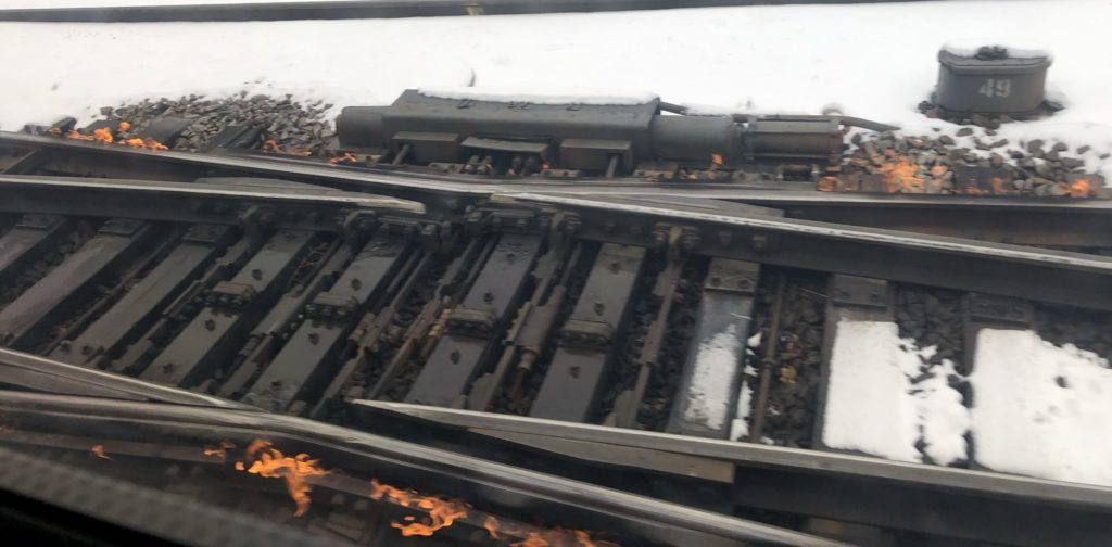 Flame track heater