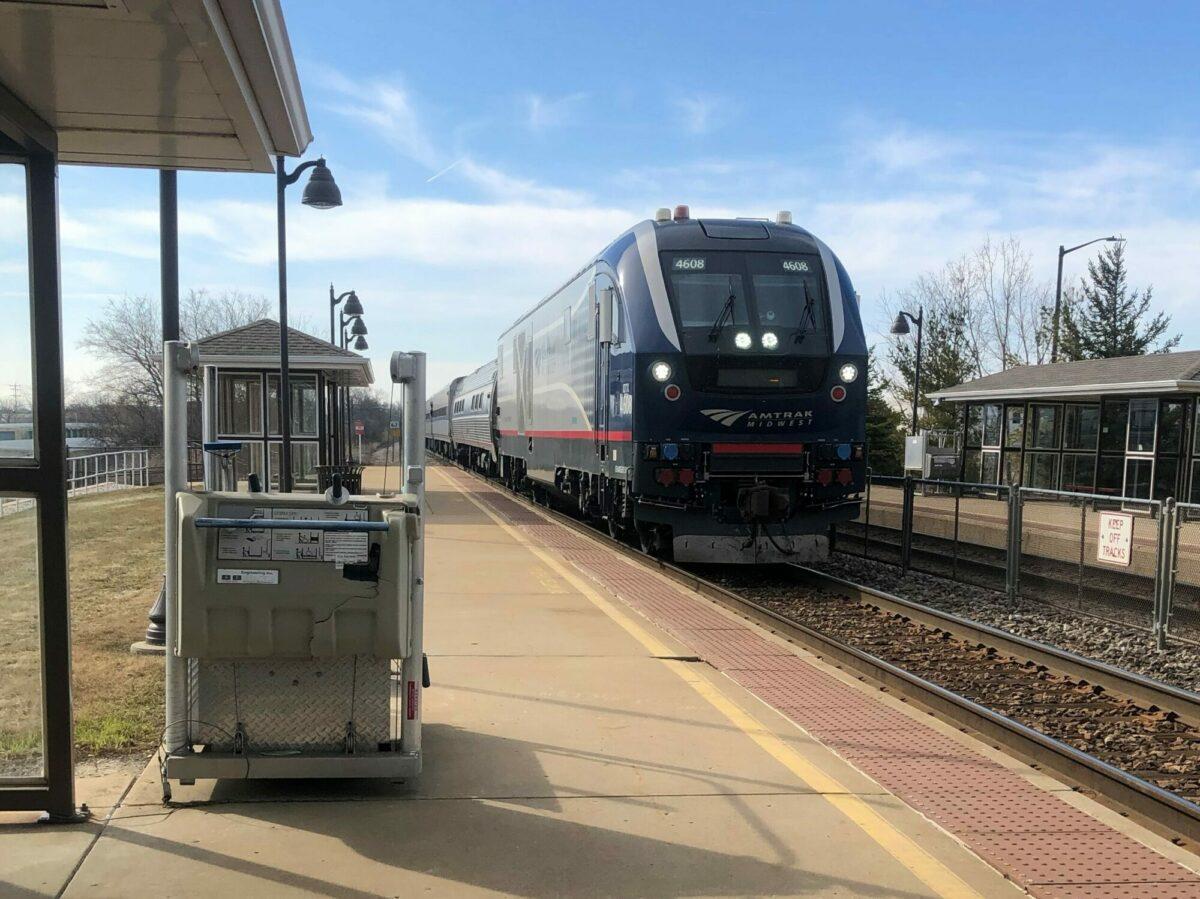 Amtrak Hiawatha in SVT